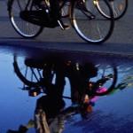 Spiegelung Radfahrer Peking, China